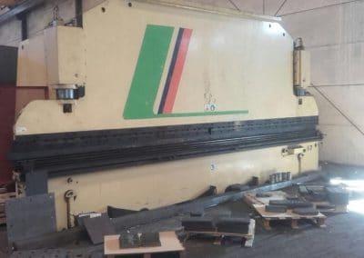 Plegadora Loire 6000x250Tn
