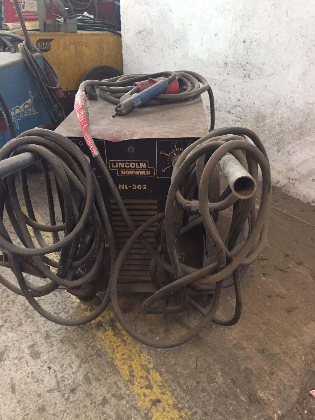 Maquina de Soldar Lincoln NL 302